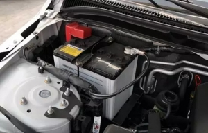 Look at the warning signs before the car battery fails.